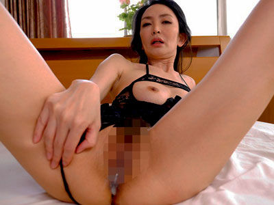 膣内射精されマンコをピクピク…色香に満ちた立花涼子が巨根を貪る中出しSEX 立花涼子