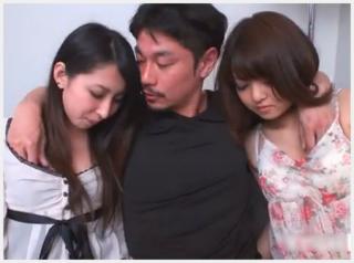 【無修正】 綺麗なお姉さんと可愛い美少女を両脇い抱え羨ましすぎるハーレム3Pセックス!