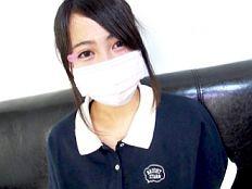 【無】ミニミニサイズの19歳黒髪お嬢様女子大生が何の因果かおっさん2人と3P中出し!
