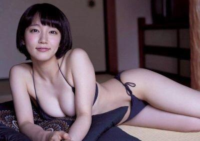 【朗報】吉岡里帆さん(26)。巨乳過ぎてグラビアで乳首が見えそうになっていると話題にww
