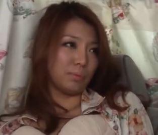 【人妻ナンパ】セフレもいるスケベな奥さんが手マンで逝かされ生中出し