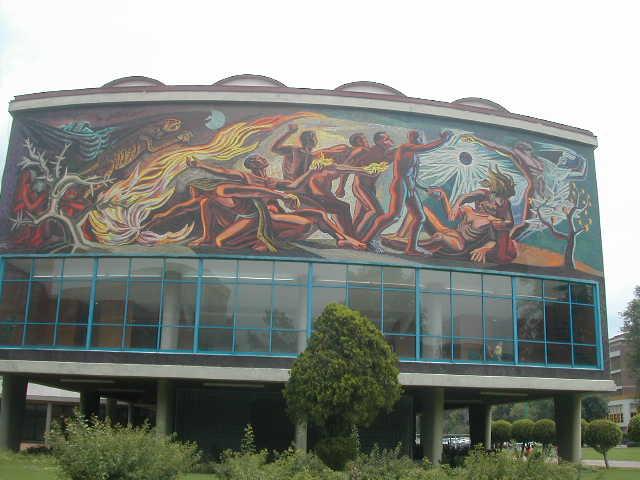 チャベスの壁画02