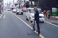 自転車であおり運転「ひょっこり男」に懲役8月…さいたま地裁