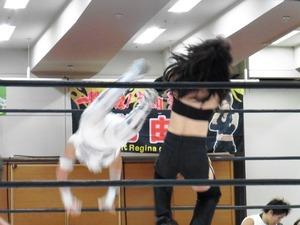 AKINO&小林香萌vs尾崎弓&桜花由美 (7)