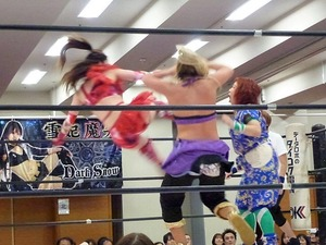 藤本つかさ vs 米山香織 vs 山下りな (13)