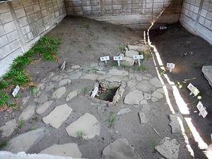 小室敷石住居跡 (2)