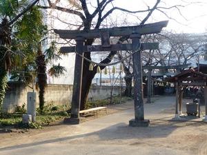 瑳珂比神社 (1)