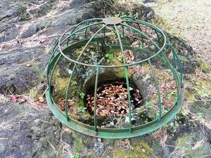 かに石の甌穴 (2)
