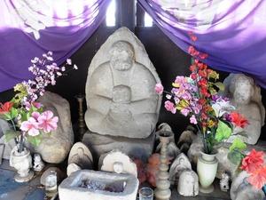 城町薬師堂の石仏 (2)