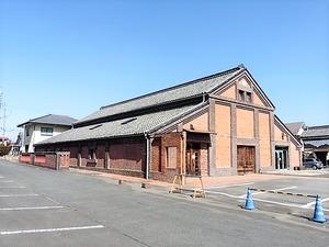 旧山賀酒造レンガ蔵 (1)