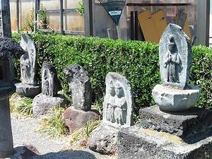和尚塚の多宝塔、他 (3)