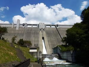 四万川ダム (1)