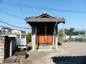 堀下の仏像群 (1)