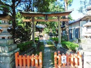 上中居諏訪神社 (1)