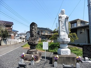 上新田町のお地蔵さん (1)