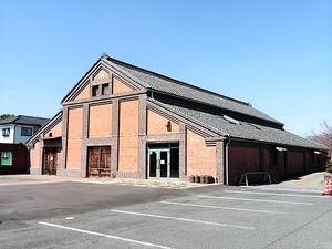 旧山賀酒造レンガ蔵 (2)