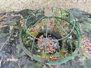 かに石の甌穴 (3)