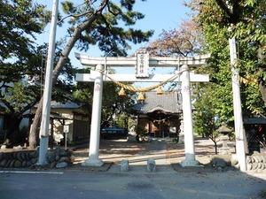 上新田雷電神社 (1)