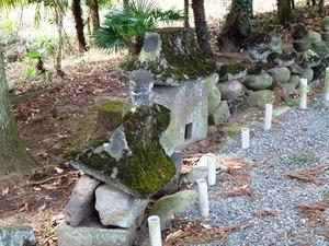 里見兄弟の墓 (4)
