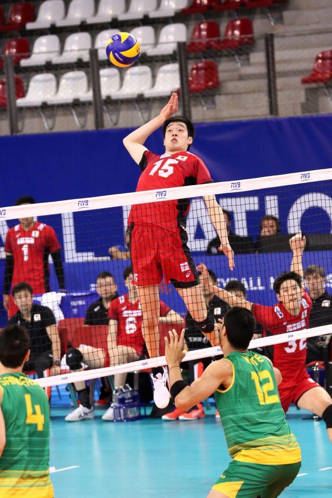 LeeHakuRifromJapanspikestheball