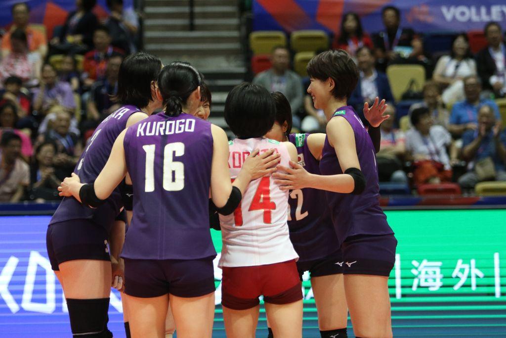 TeamJapanischeeringthemselvesup