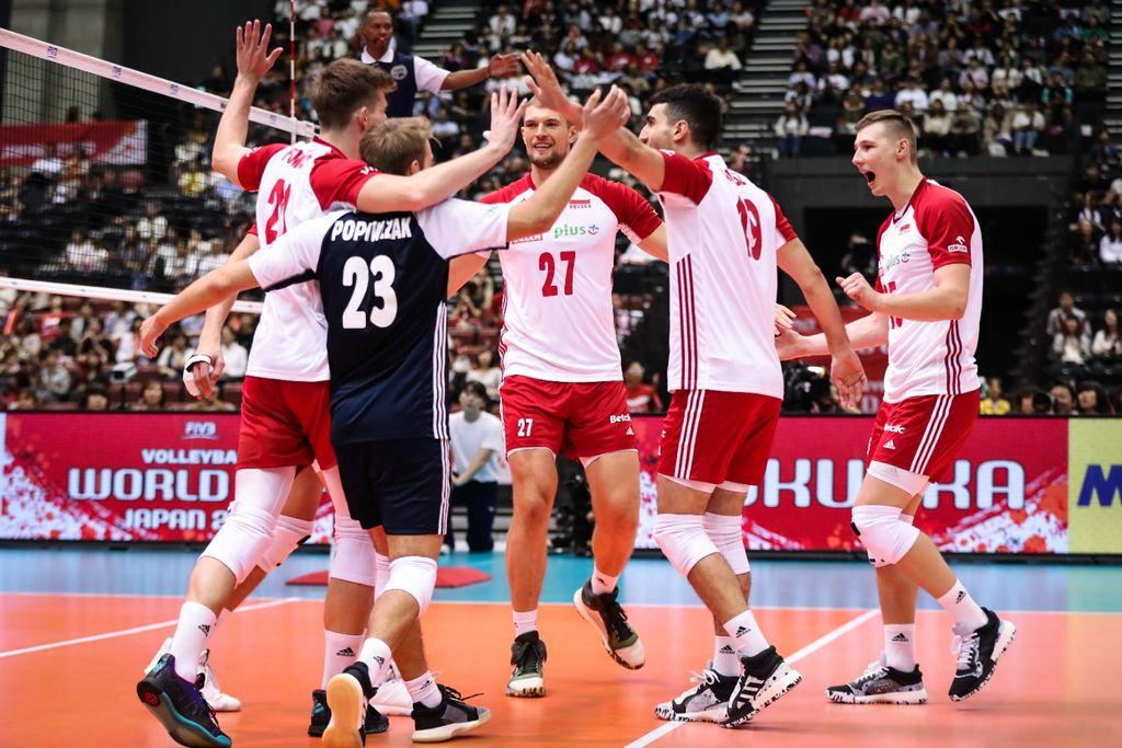 Polandplayerscelebrateaftertheirvictory
