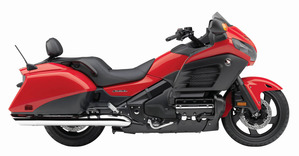 2013-goldwing-f6b-deluxe