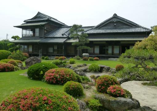 ②-1伊藤邸と庭の