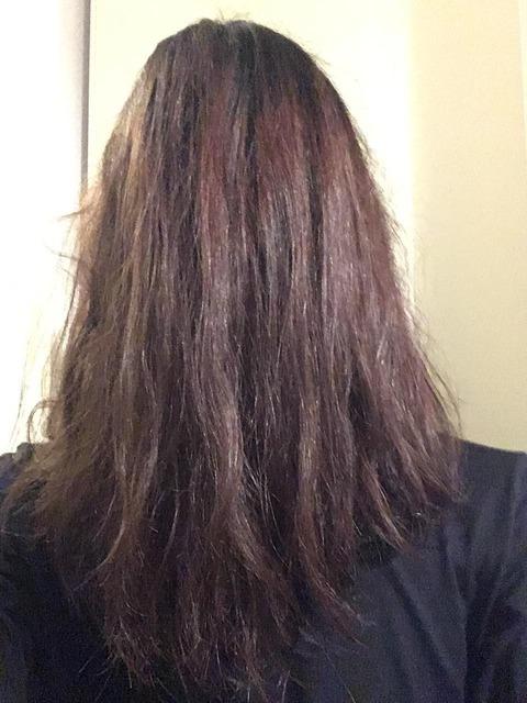 背中ぐらいまで髪伸ばして女の子みたいな髪型にしたい
