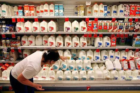 【画像】アメリカの牛乳売り場wwww