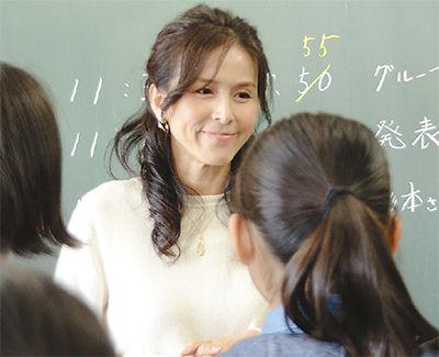 【画像】杉本彩とかいう女優の眼鏡姿、絶対評価が真っ二つに割れそうwwwww