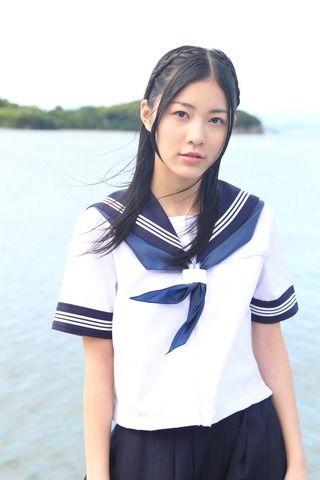 松井珠理奈の13歳のセーラー服姿公開wwwwww