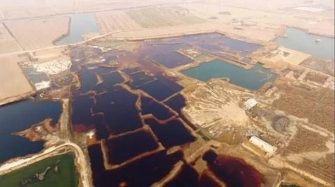 中国の開発特区で『恐怖の廃液湖が発見されて』専門家が騒然。異常な色彩に日本側も絶句