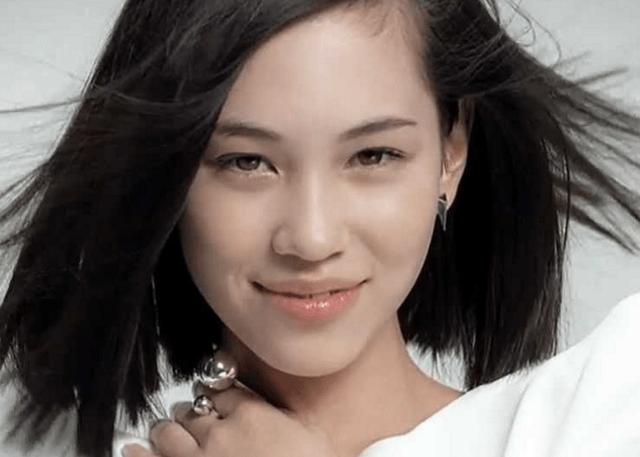 【衝撃】LINE上級執行役員が水原希子を擁護!「醜い日本人よりも、美しい地球人(水原希子)」wwwwwwwwwwww