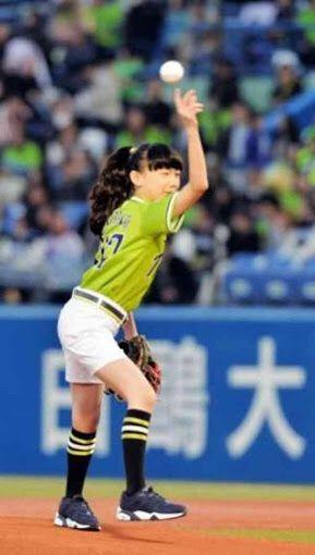 芦田愛菜さんの始球式、強い