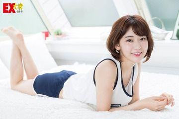 【悲報】宮脇咲良のグラビア、ついに熟女グラビアにwwwww