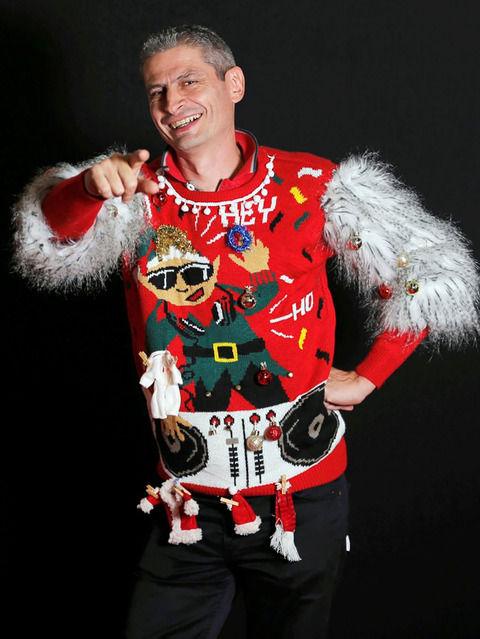 フランスでダサいセーター選手権が開催 / お前らもカーチャン買ってきたセーターあるだろ?