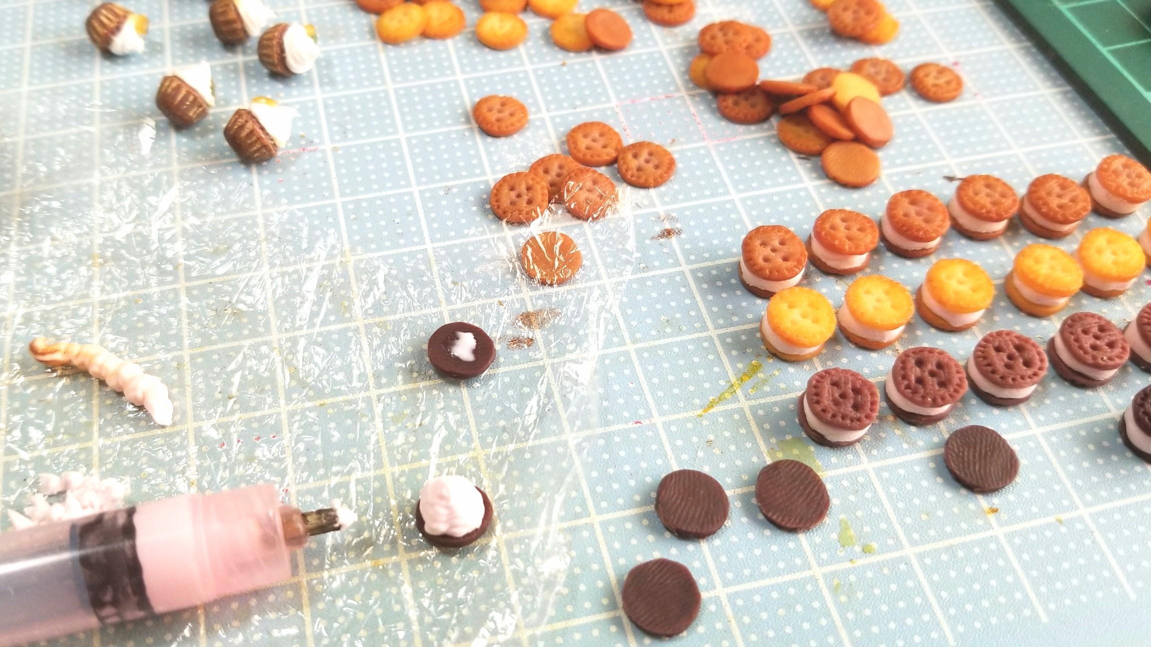 クッキーサンドアイスクリーム,ミニチュアフード,樹脂粘土,ドール