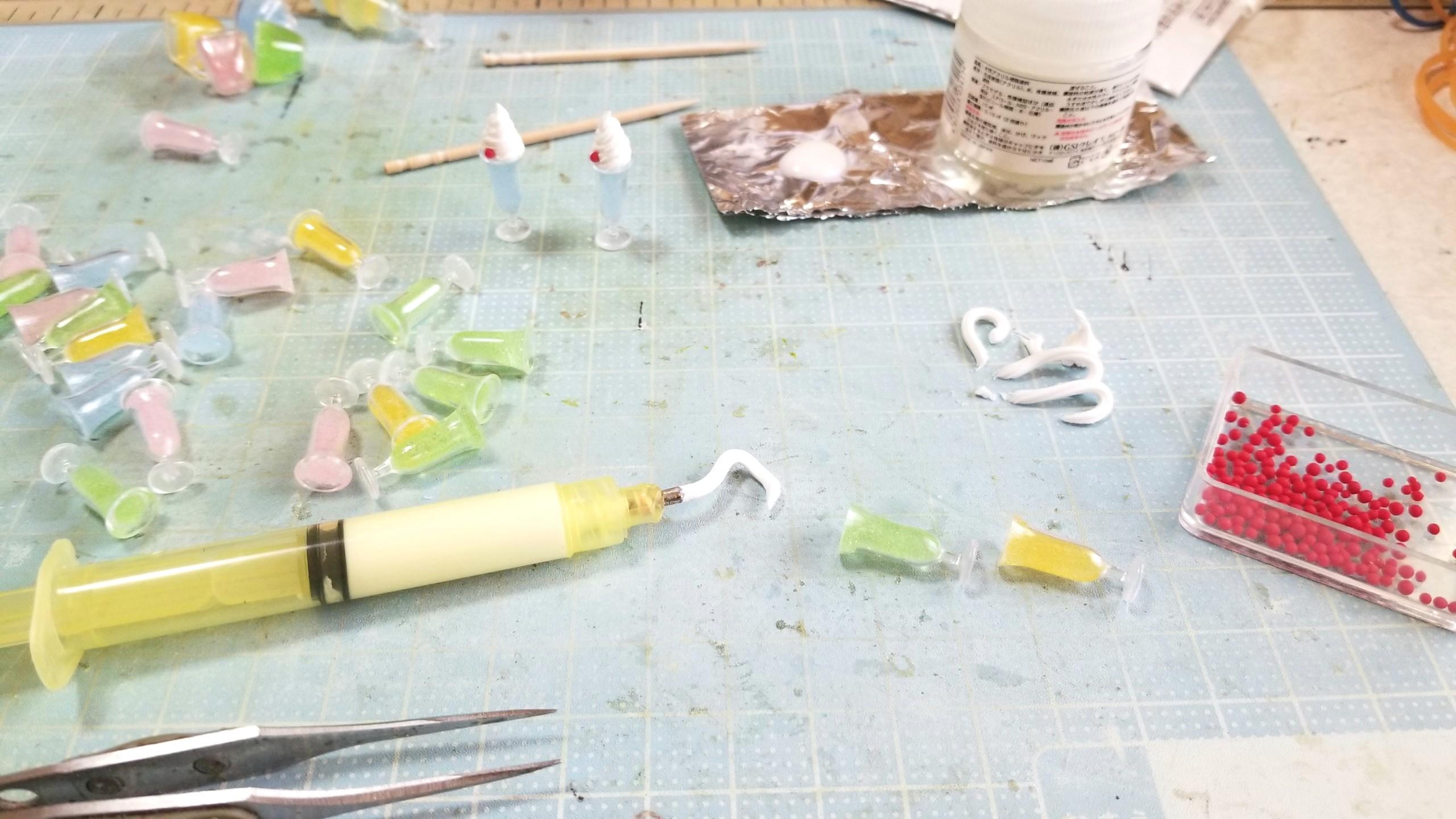 クリームソーダフロートの作り方,ミニチュアフード,UVレジン,粘土