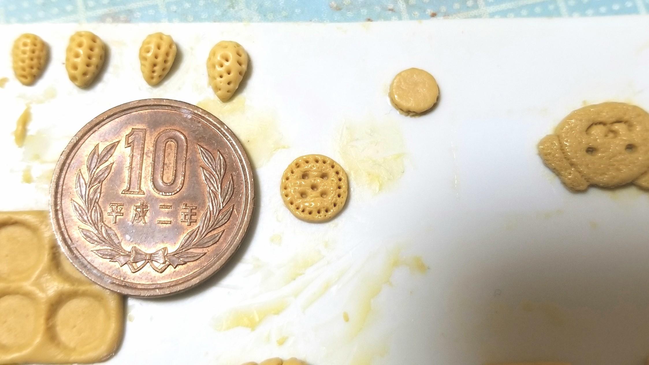 ボタン柄,クッキーサンドの型,ミニチュア,作り方,タミヤエポキシパテ