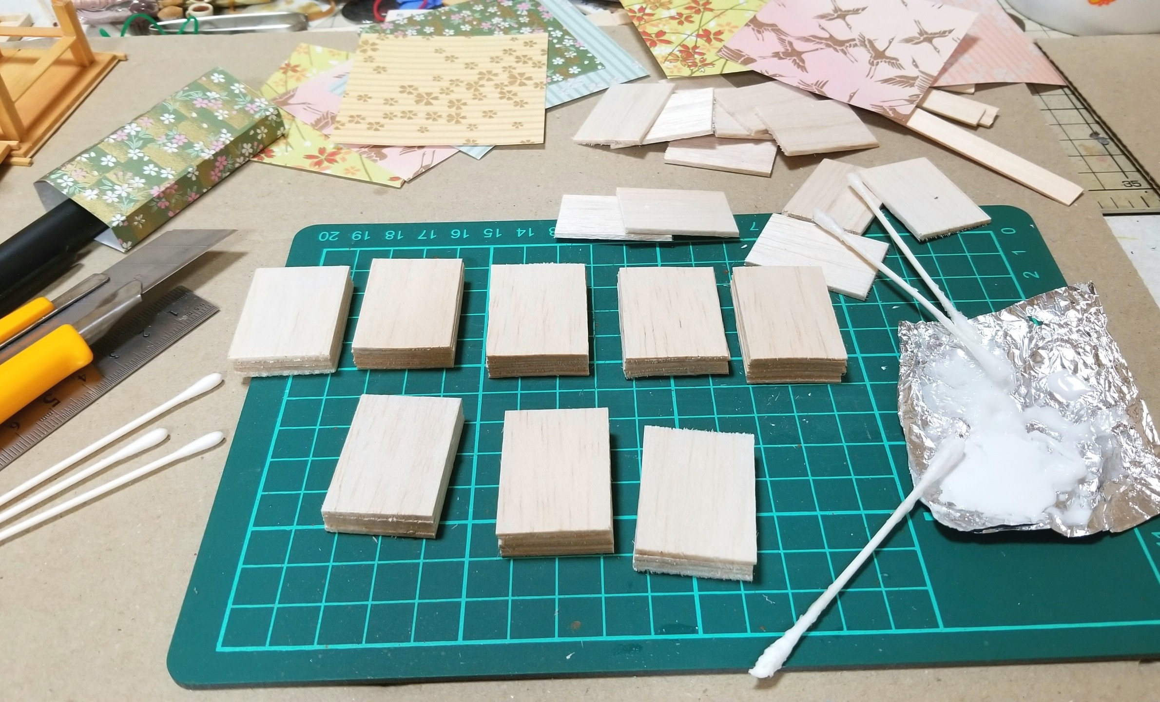 ミニチュア,菓子箱,和菓子屋,千代紙,折,バルサ,作り方,ドールハウス