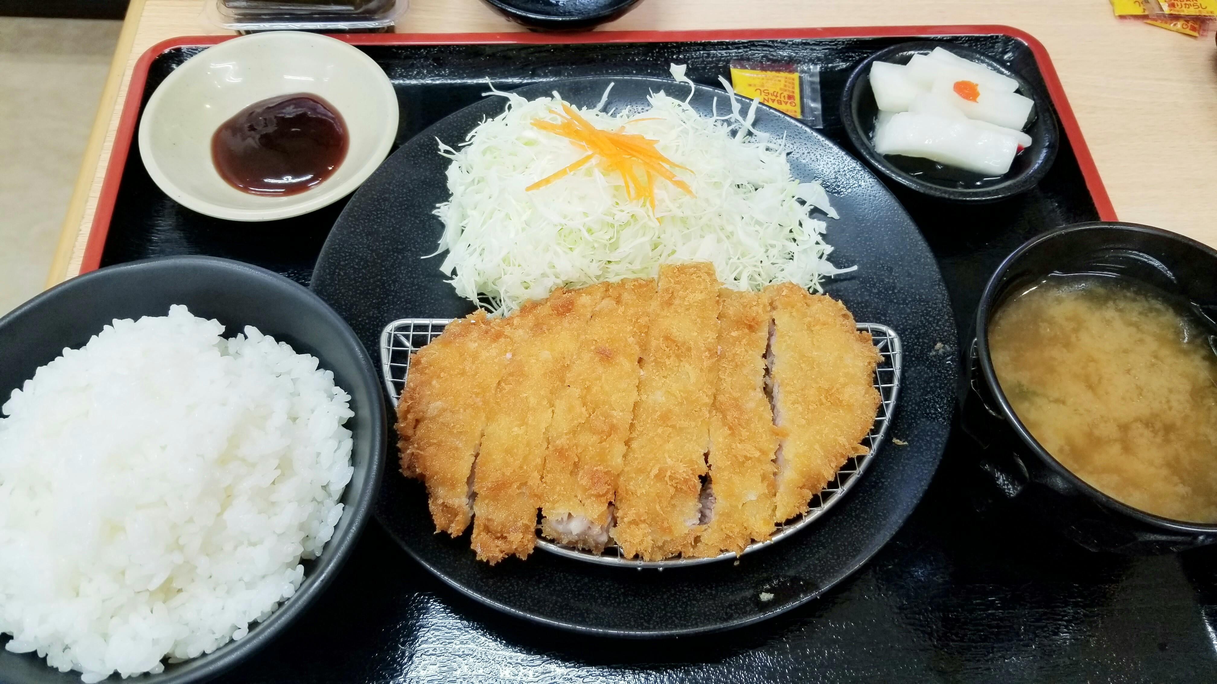 愛媛県松山市とんかつや屋ワンコインランチ安いおいしいおすすめ