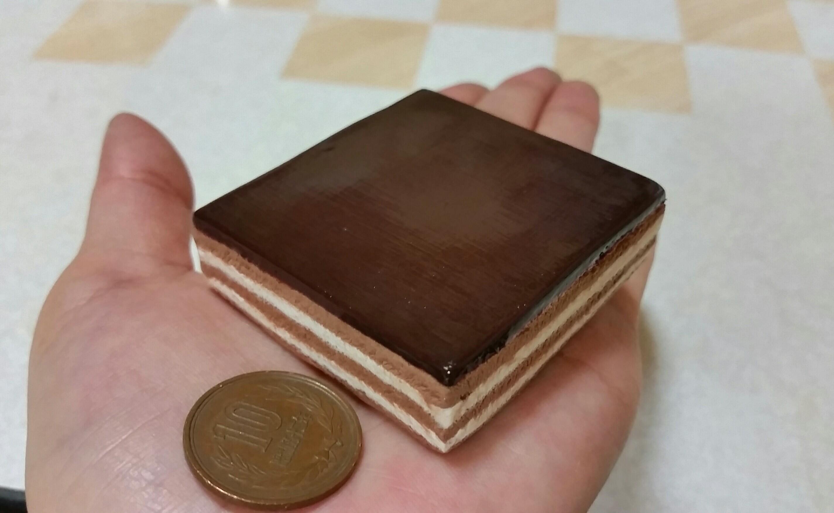 ミニチュアフェイクフード,転売模倣,チョコレートケーキ,許せない