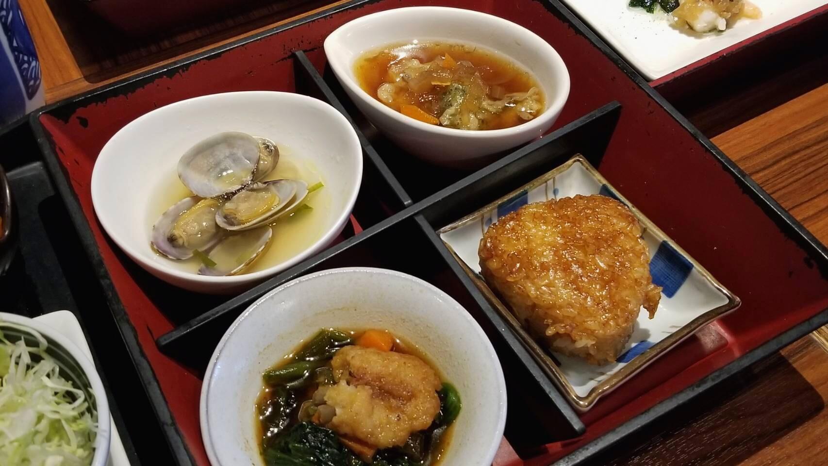 愛媛県伊予郡グルメ好きランチ安いおいしい喫茶蔵あこう三段重四国