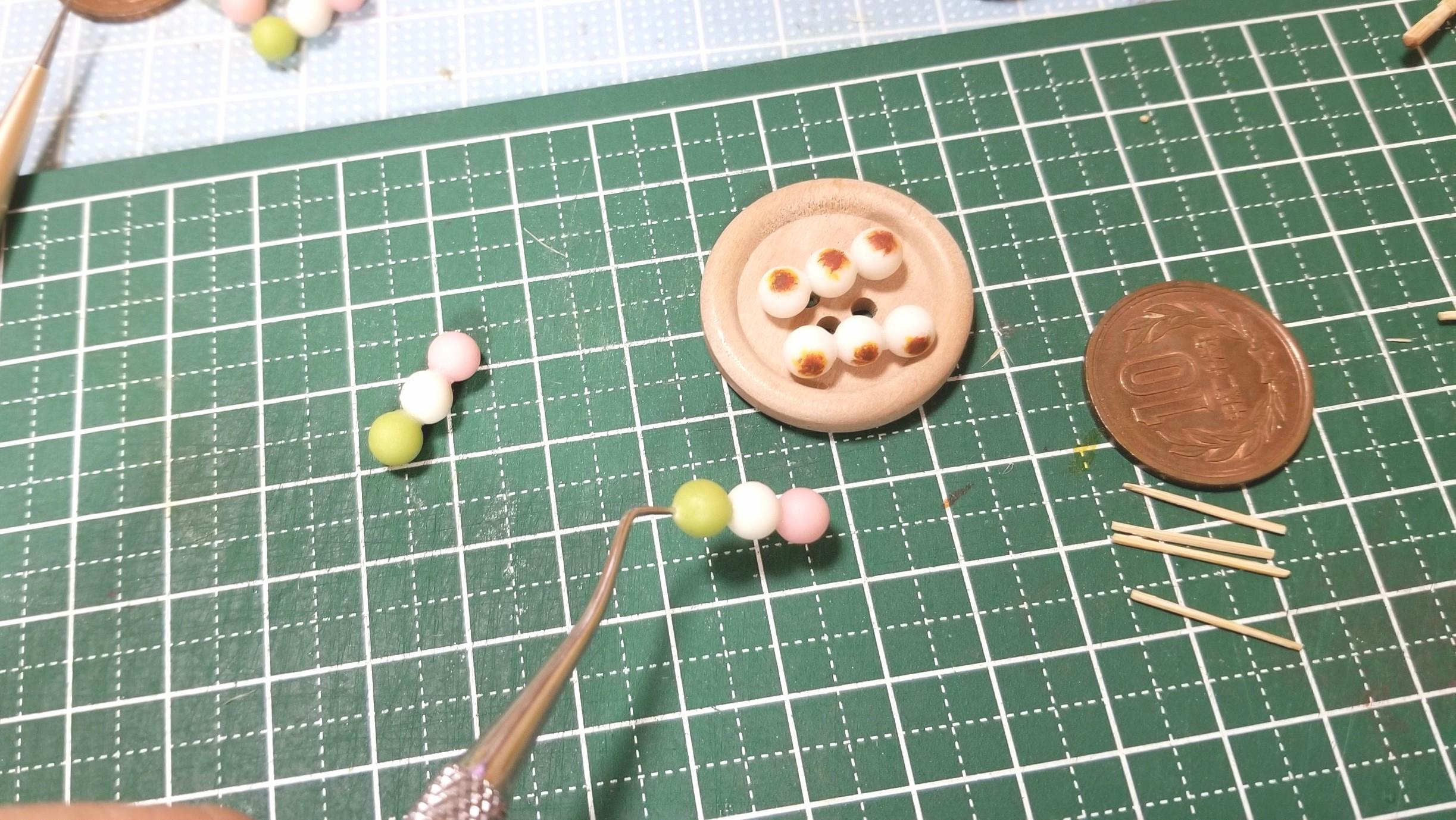 ミニチュアフード,和菓子三色団子の作り方,樹脂粘土,かわいい小物