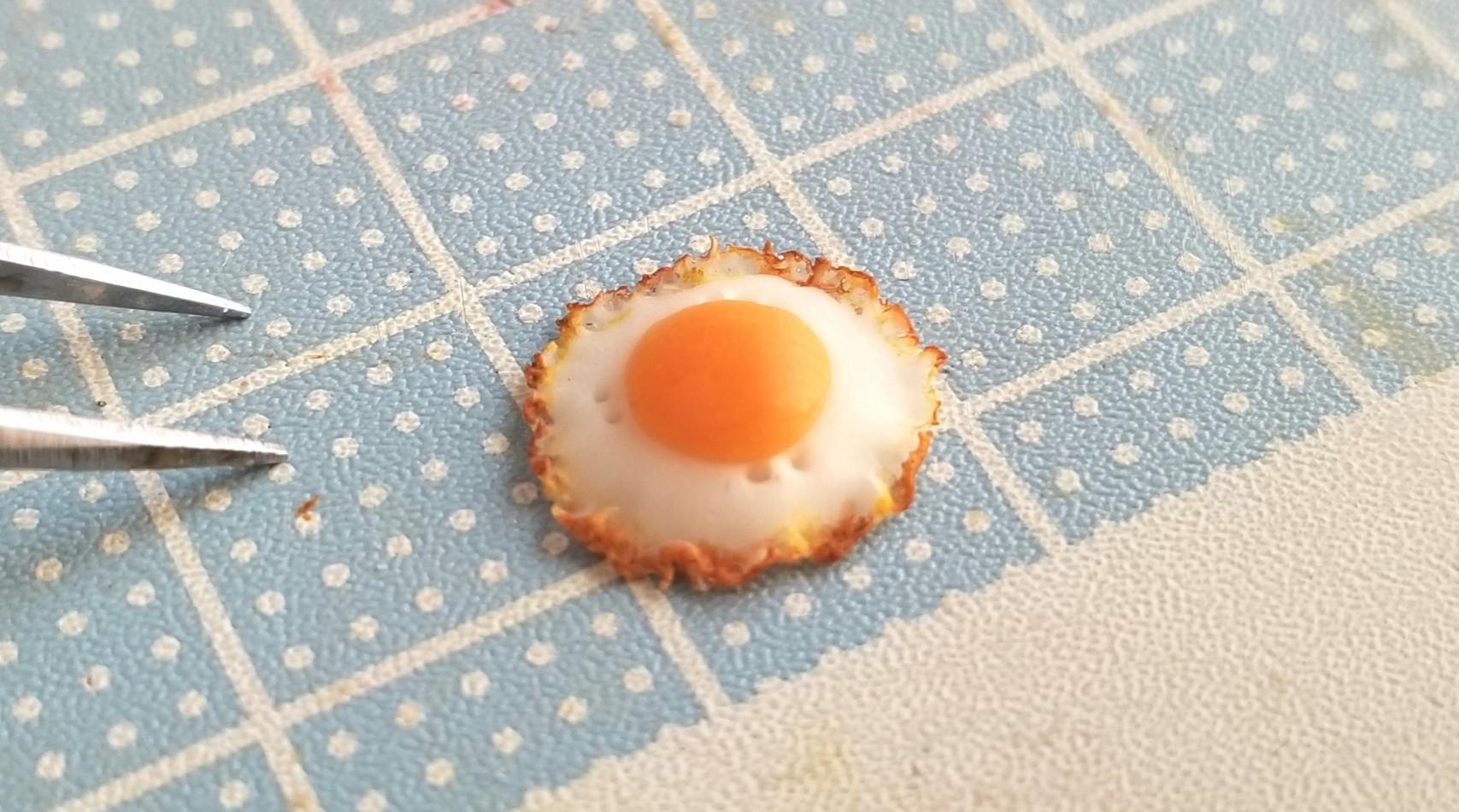 ミニチュアフード,樹脂粘土,目玉焼きの作り方,手作りよもぎブログ