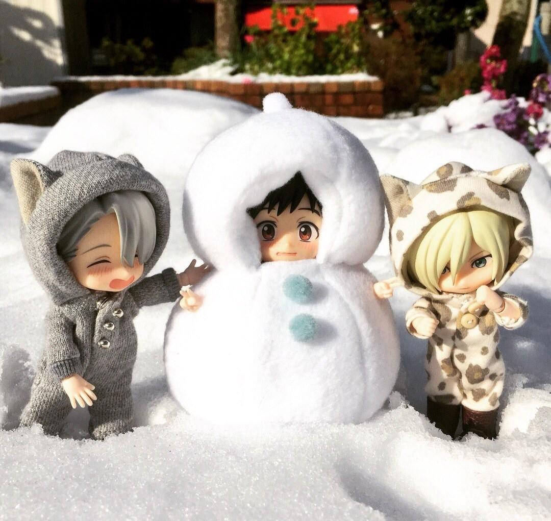 オビツろいどヴィクトル,寒い真冬は外で雪遊び,雪だるまを作った