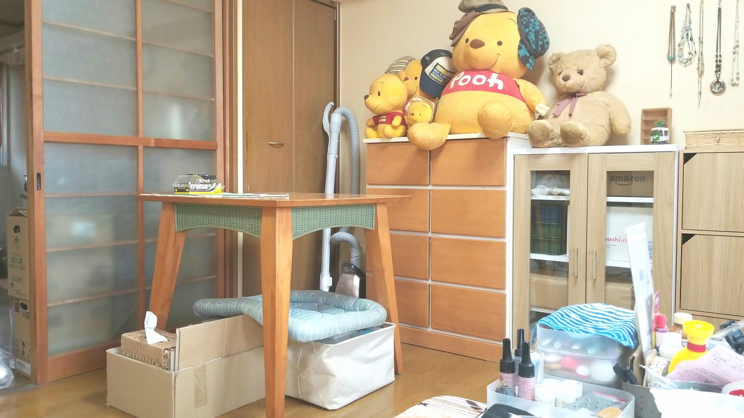 フローリング一人暮らし,女子部屋,ぬいぐるみ,くまのプーさん大好き