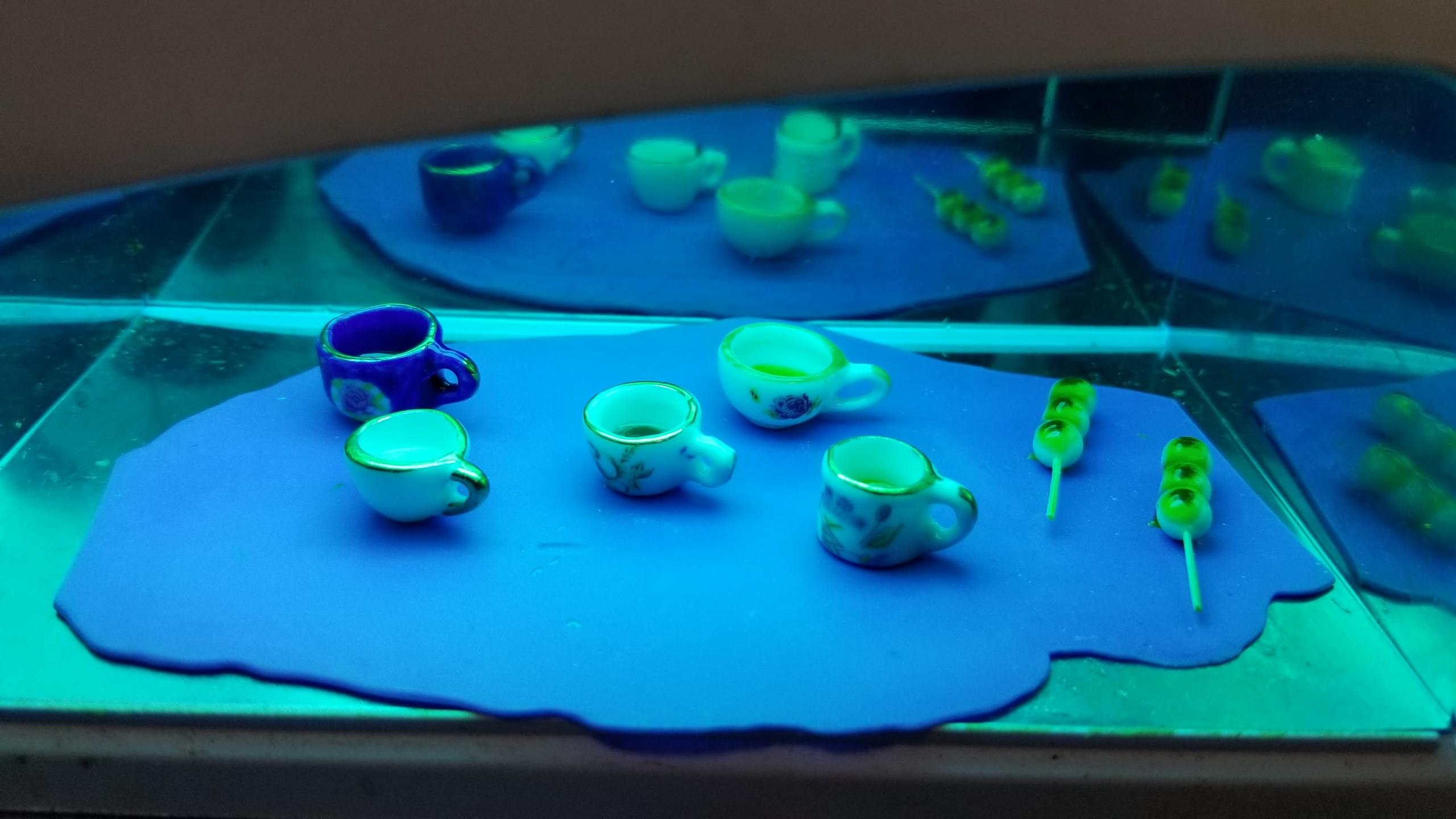 ミニチュアフード,作業風景途中,飲み物の作り方,UVレジンランプ