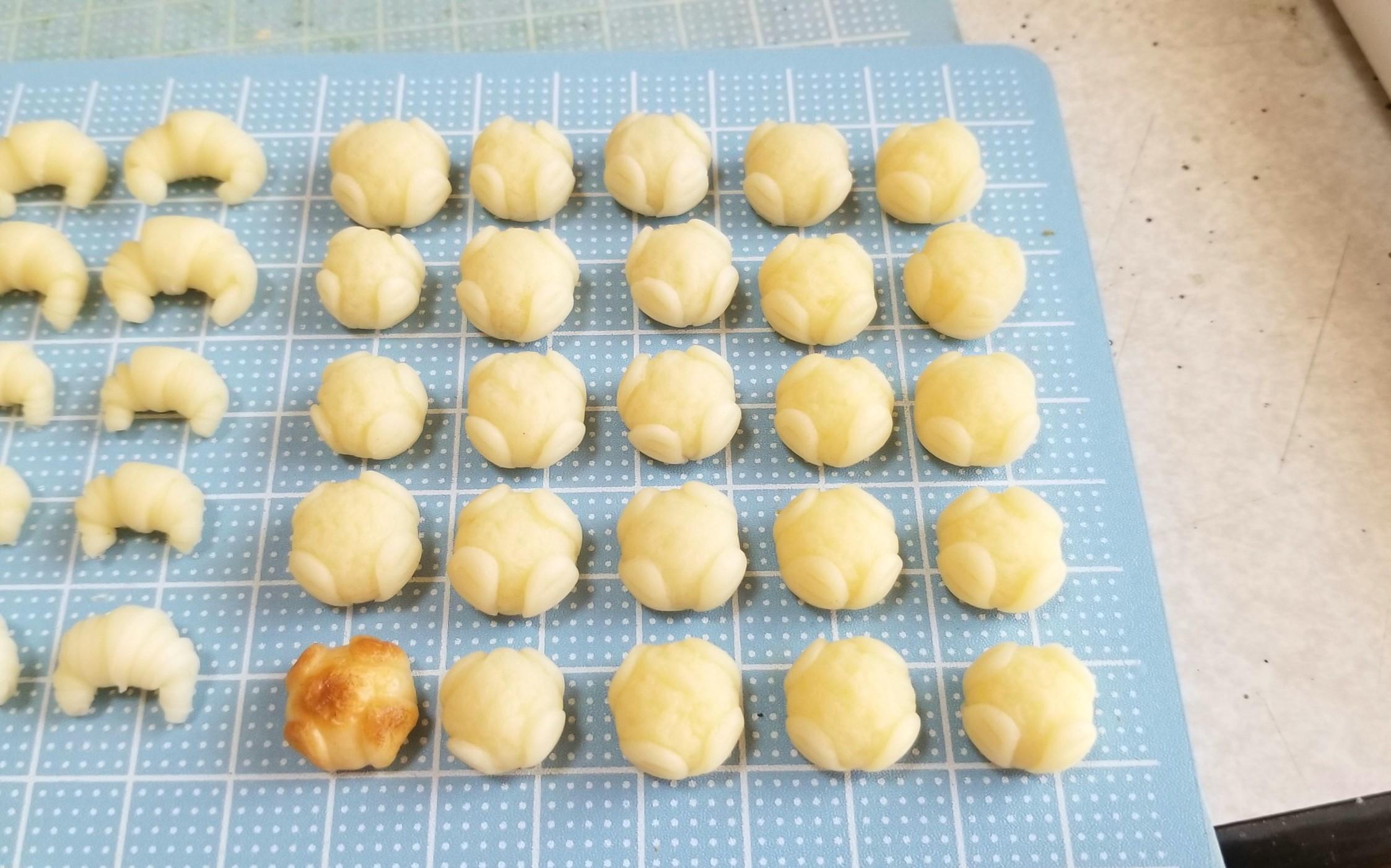 ミニチュアフード,パン,もっちりカンパーニュ,仕込み,樹脂粘土